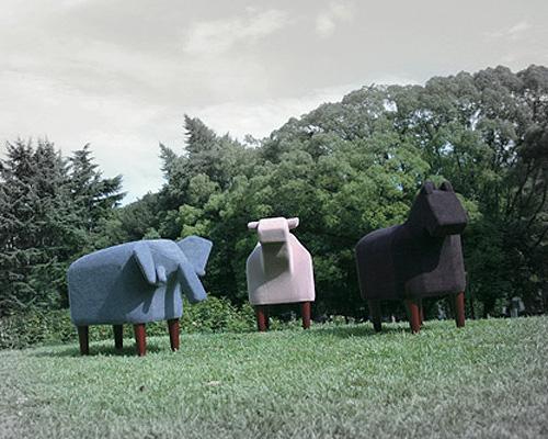 セメントプロデュースデザイン「Frien'Zoo Stool(フレンズ スツール)」