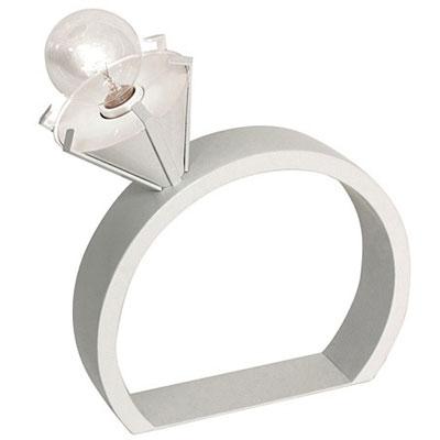 ロマンチックなデザインのランプ「VERA」