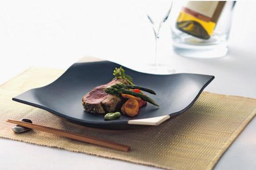 そのまま食卓に出せるシンプルでモダンなお鍋「しゃれ鍋」