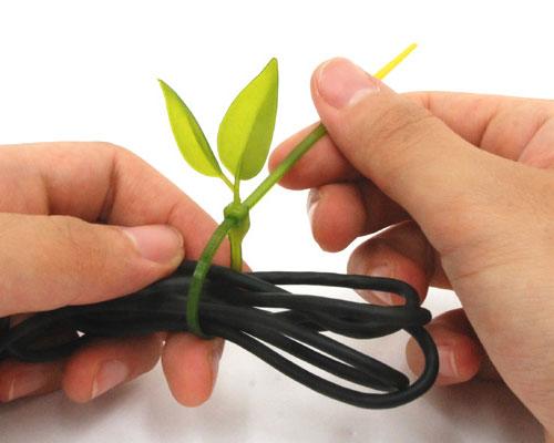 葉っぱのカタチの結束バンド「Leaf Tie」