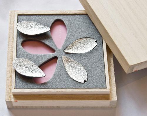 桜の花びらの箸置きセット「SAKURA REST(サクラレスト)」
