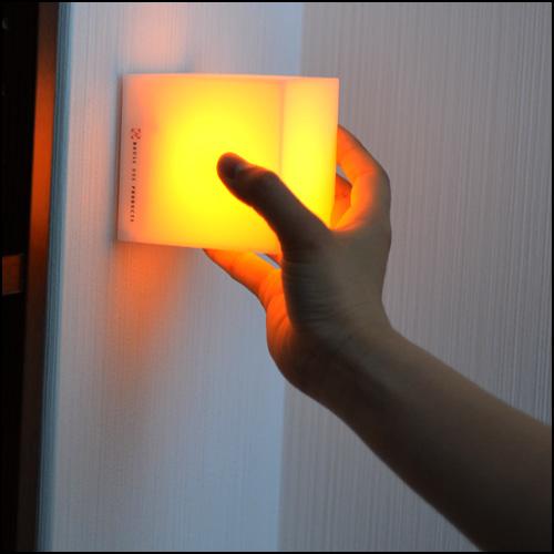 3つのキューブ型LEDキャンドルライト「ココロ(COCOLO)」